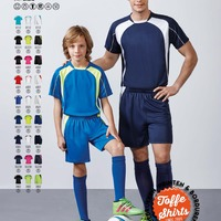 Voetbal tenue Salas 2 shirts + 1 broek | Soccer set Salas 2 shirts + 1 short